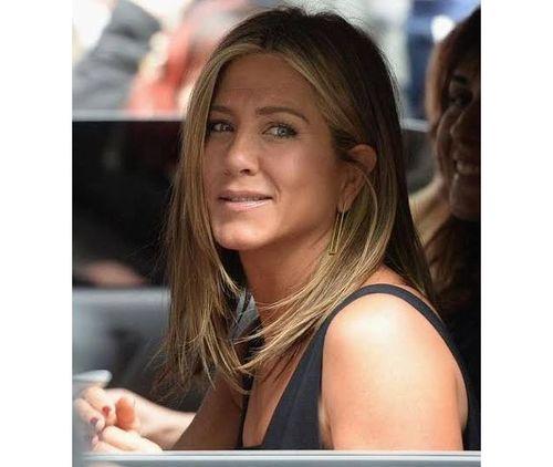 27_Jennifer_Aniston_No_Makeup