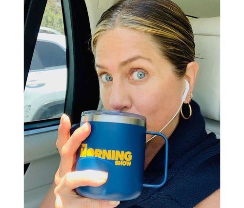 4_Jennifer_Aniston_No_Makeup