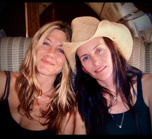 5_Jennifer_Aniston_No_Makeup
