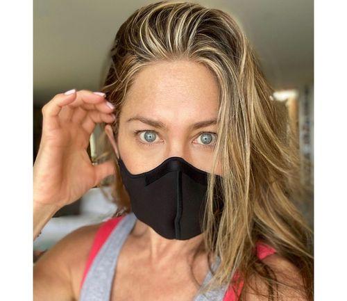 6_Jennifer_Aniston_No_Makeup