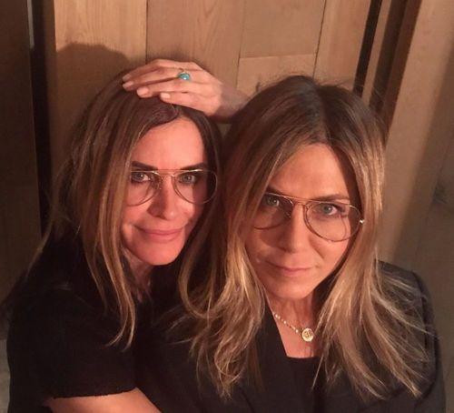 13_Jennifer_Aniston_No_Makeup