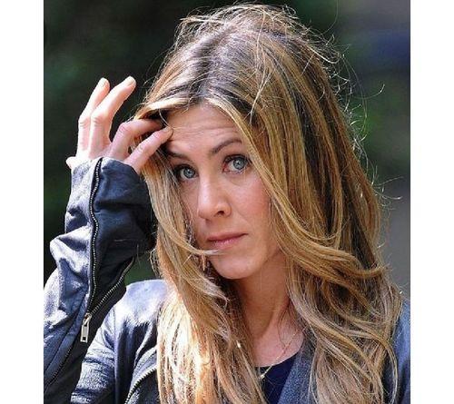 26_Jennifer_Aniston_No_Makeup