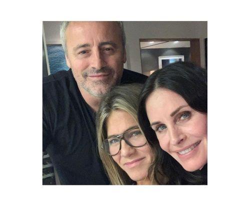 25_Jennifer_Aniston_No_Makeup