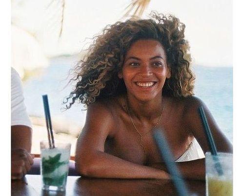13_Beyonce_No_Makeup