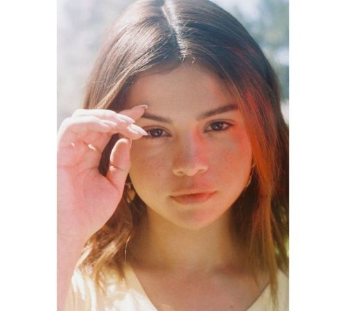 2_Selena_Gomez_No_Makeup