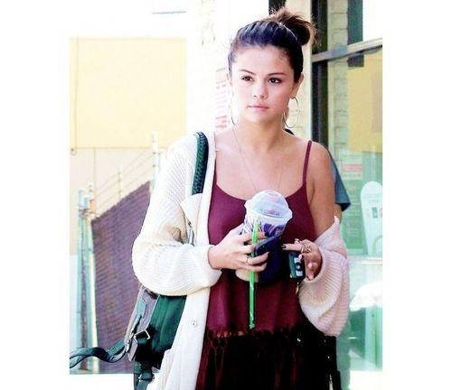 12_Selena_Gomez_No_Makeup