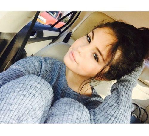 15_Selena_Gomez_No_Makeup