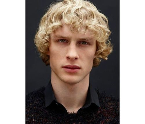 21_Best_Curly_Hairstyles_For_Men