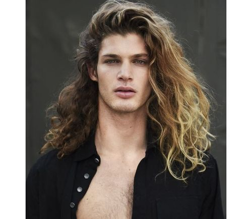 20_Best_Curly_Hairstyles_For_Men
