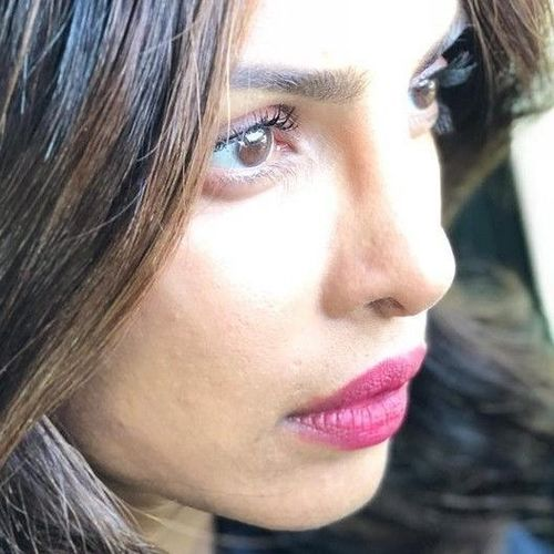 Priyanka-Chopra-lips