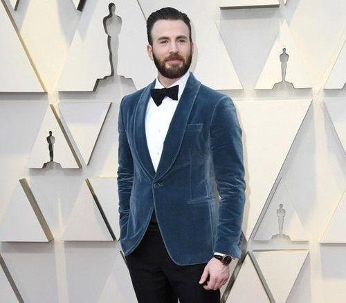 Chris-Evans-Oscars-2019-Red-Carpet
