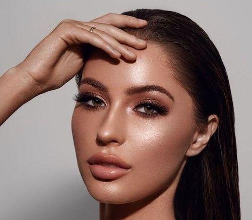 Golden-Bronzed Face Glow