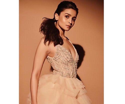 Alia-bhatt-Elegant-look