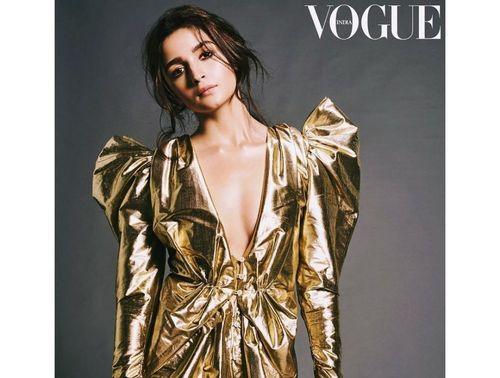 Alia-bhatt-stunning-gold-look