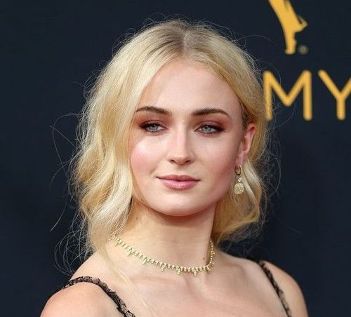 Sophie-turner-hair-care