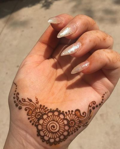 Minimal And Easy Designs Of Mehndi