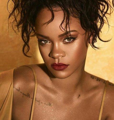 Rihanna-makeup-glow
