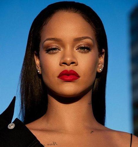 Rihanna-lipstick