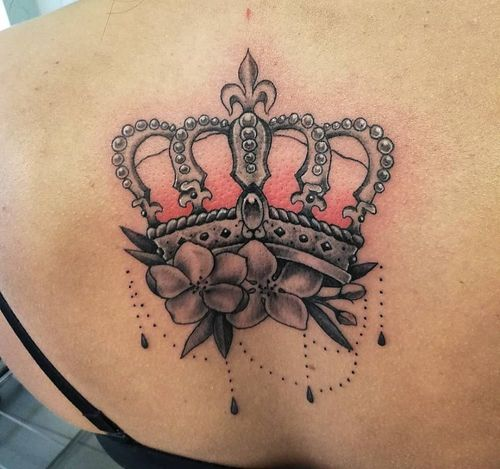 Crowns-tattoo-design-for-women