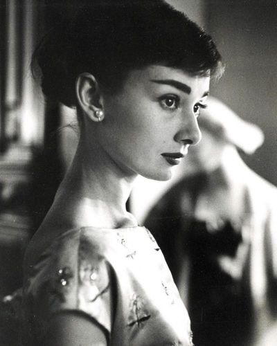 Audrey-Hepburn-beautiful-actress