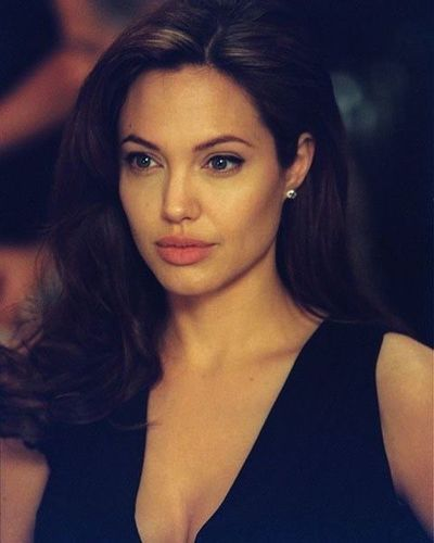 Angelina-beautiful-actress