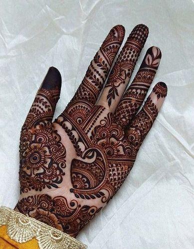 The Traditional Khafif Mehandi Design