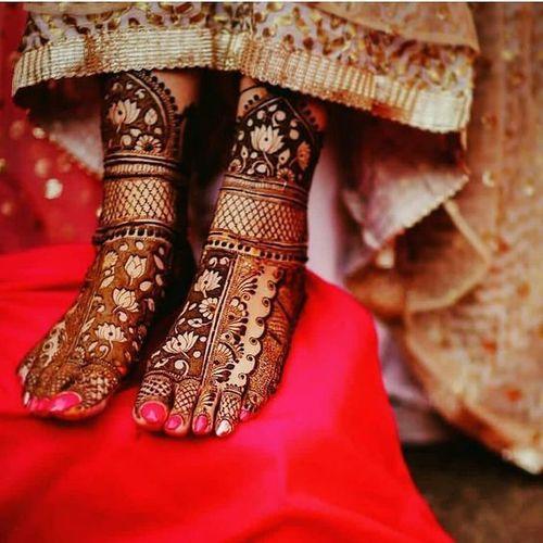 Lotus Bridal Mehndi Design For Feet