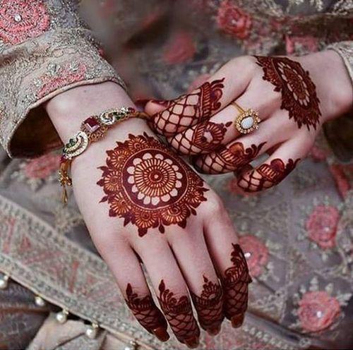 The Simple Mandala Mehndi Design