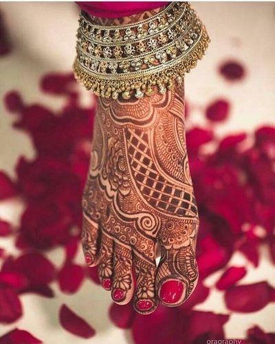 Beautiful Bridal Mehndi For Feet