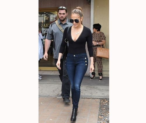 Simple Yet Sexy JLo Outfit