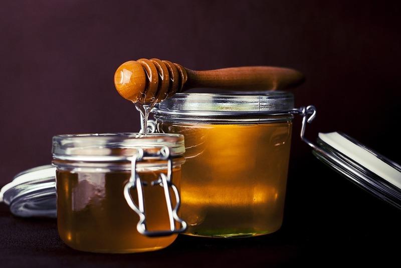 https://pixabay.com/en/honey-sweet-tasty-food-delicious-823614/