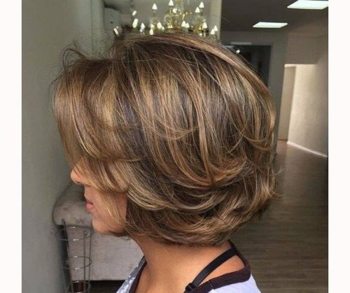 Layered bob with feathering
