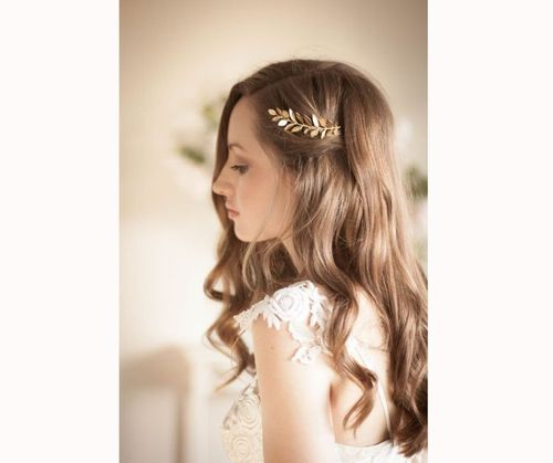 Simple Bridesmaid Hairstyles With Accessories