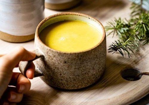 9_warm_milk_with_turmeric