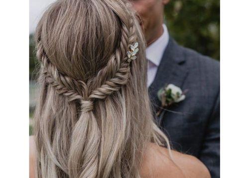 43 Pretty fishtail braid