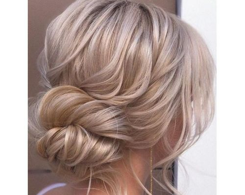39 Romantic knotted updo