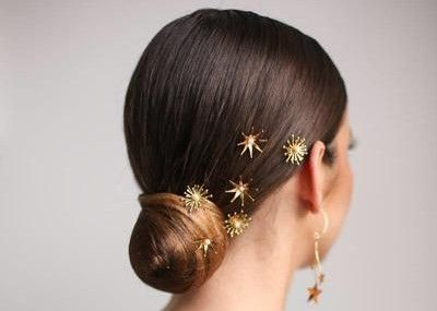 35 Simple updo with fun accessories