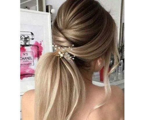 2 ponytail with a twist