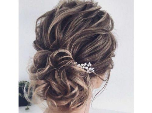 8 Loose curls updo