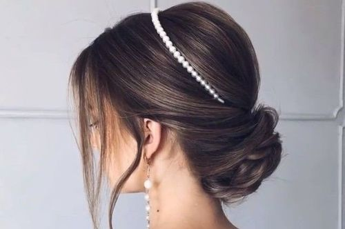 9 Chignon with a hairband