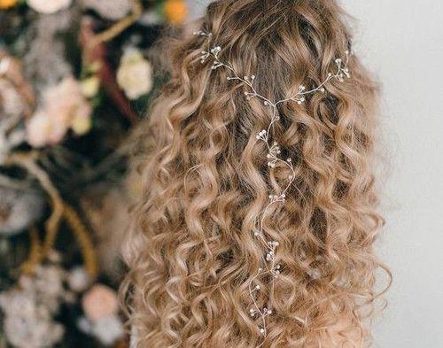 13 Blonde curls