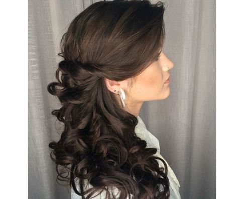 25 Cascading curls to the side
